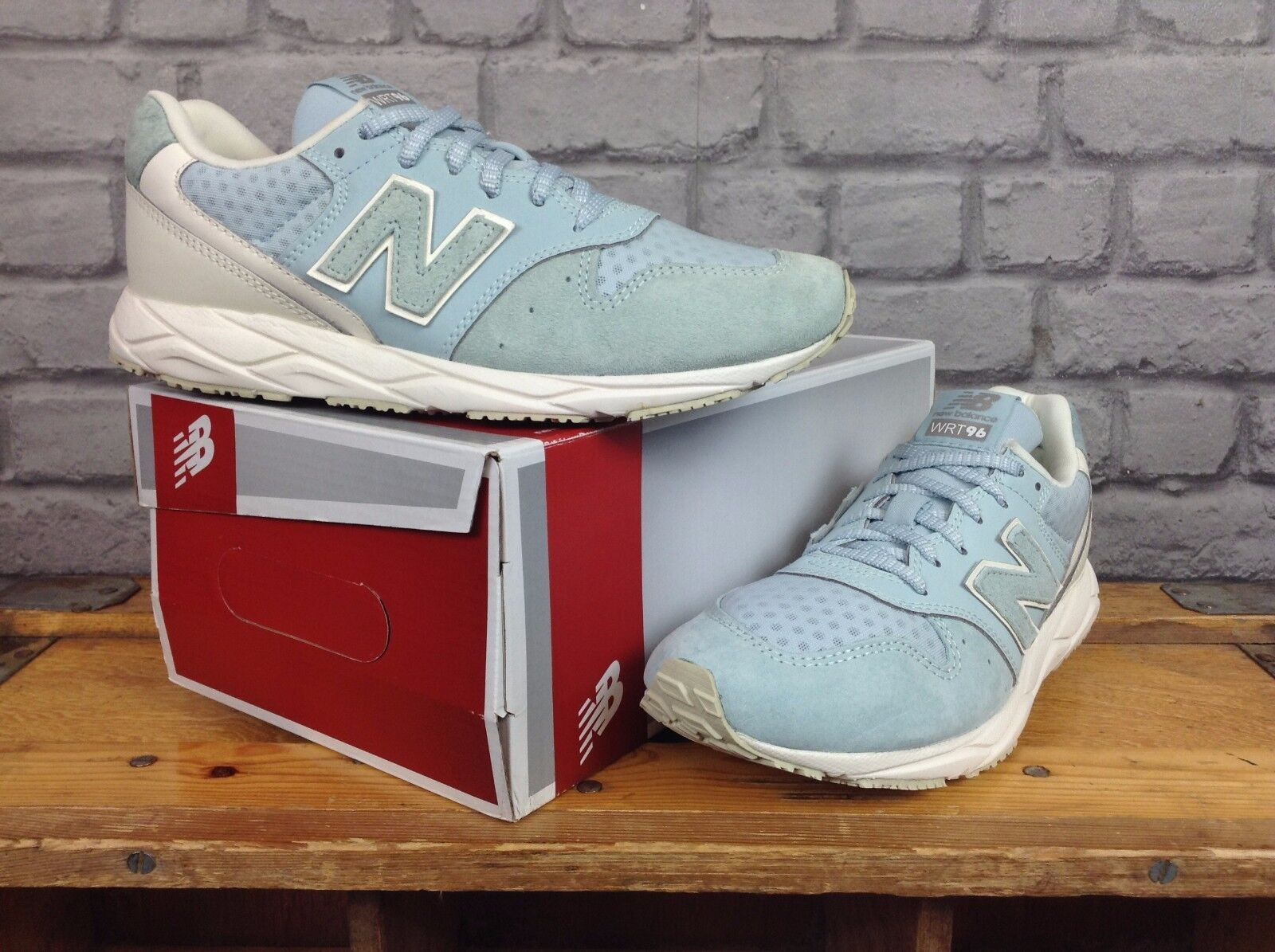 NEW BALANCE 96 LADIES SUEDE UK 6,7 PALE BLUE SUEDE LADIES TRAINERS e3cd4e