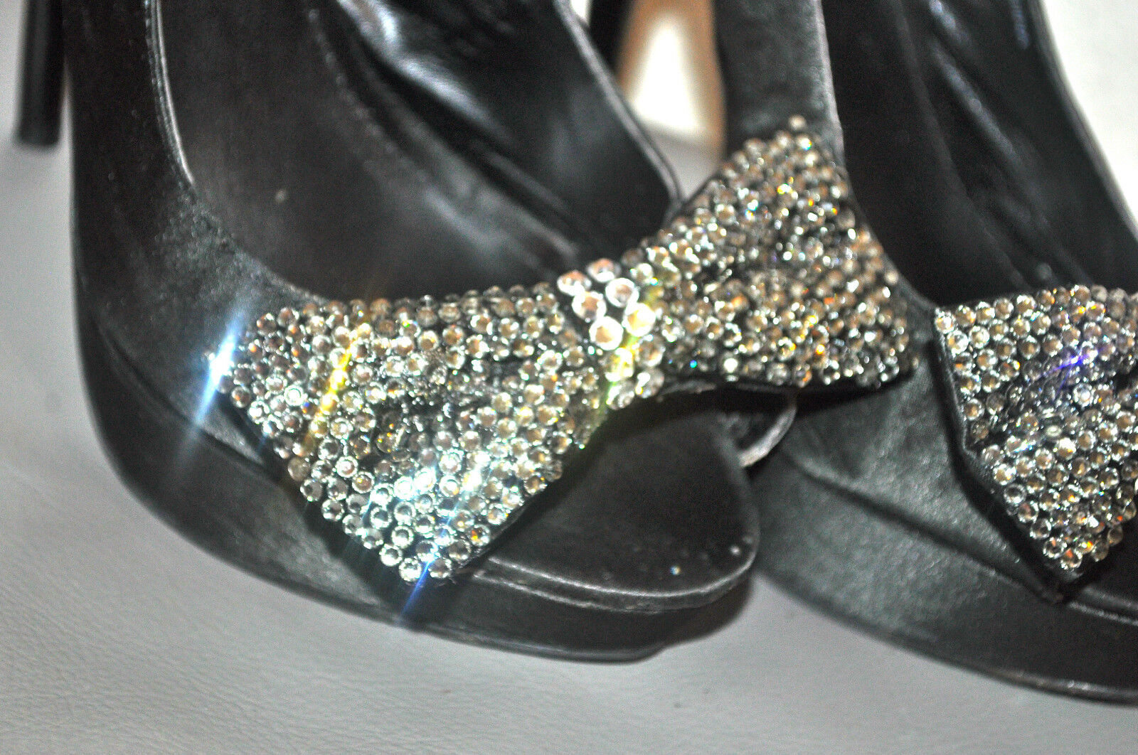 SEXY RARE HAND PLACED SWAROVSKI CRYSTAL BLINGED BOW SLINGBACK PLATFORMS HEELS 8