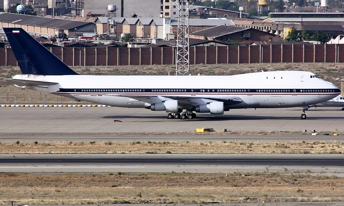 INFLIGHT200 IF747IAF 1 200 IRANIAN AIR FORCE BOEING 747-100 5-8101 WITH STAND