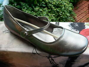 ECCO Mary Jane buffed Silver Shoes