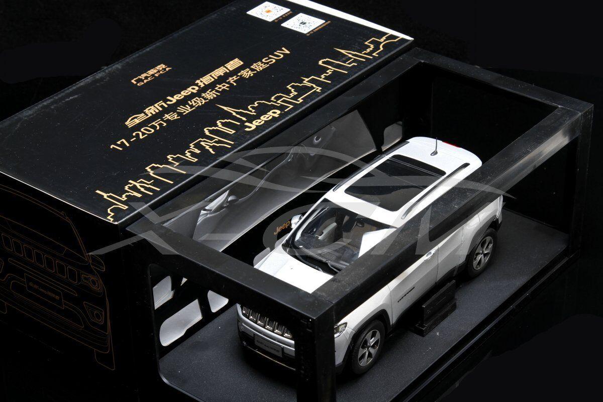 Pressofusione CAR MODEL tutti i nuovi JEEP COMPASS Limited 1:18  Argento  + REGALO
