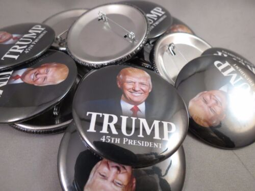 WHOLESALE LOT OF 22 DONALD TRUMP 45TH PRESIDENT USA BUTTONS PHOTO B suit of US