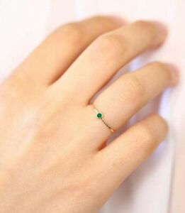 14Kt Yellow Gold Imitation Emerald Solitaire Gemstone Ring For Women 1.5 Grams