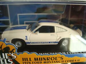 GREENLIGHT-COLLECTIBLES-1-43-FORD-MUSTANG-2-COBRA-2-1976-CHARLIE-S-ANGELS