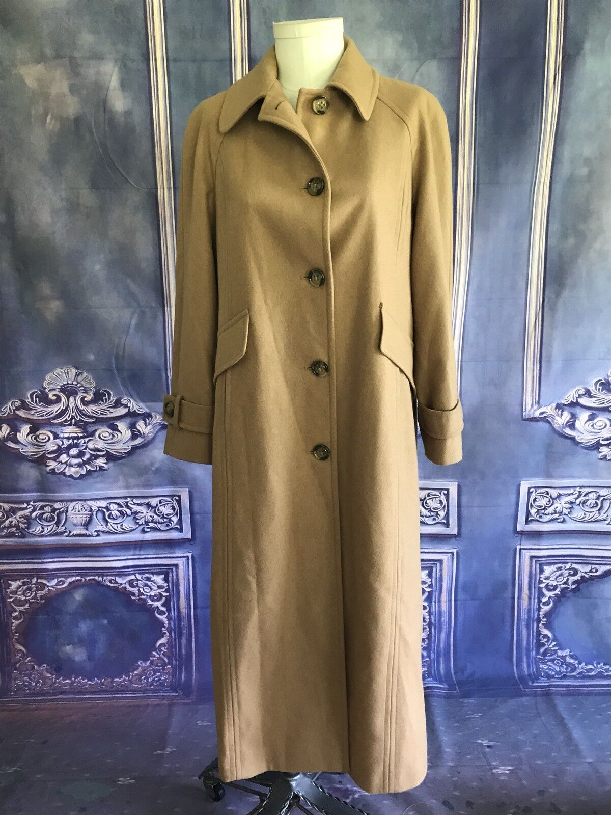 London Fog Camel Beige Long Length Walking Coat SZ 12 Wool Tortoiseshell Buttons