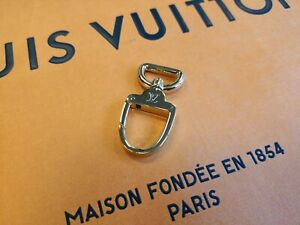 17a0eefabbf Original Louis Vuitton Authentic Unisex Key Ring Gold Tone Carabiner ...