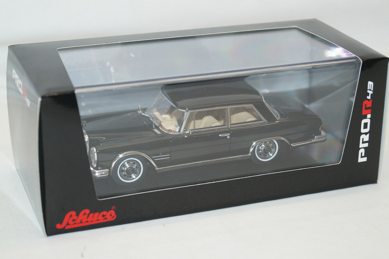 Schuco Mercedes-Benz 600 COUPE NERO 1/43