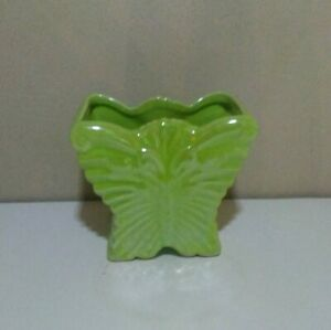 Vintage-McCoy-Retro-Green-Butterfly-Planter-Collectible-Nice-Look-pottery