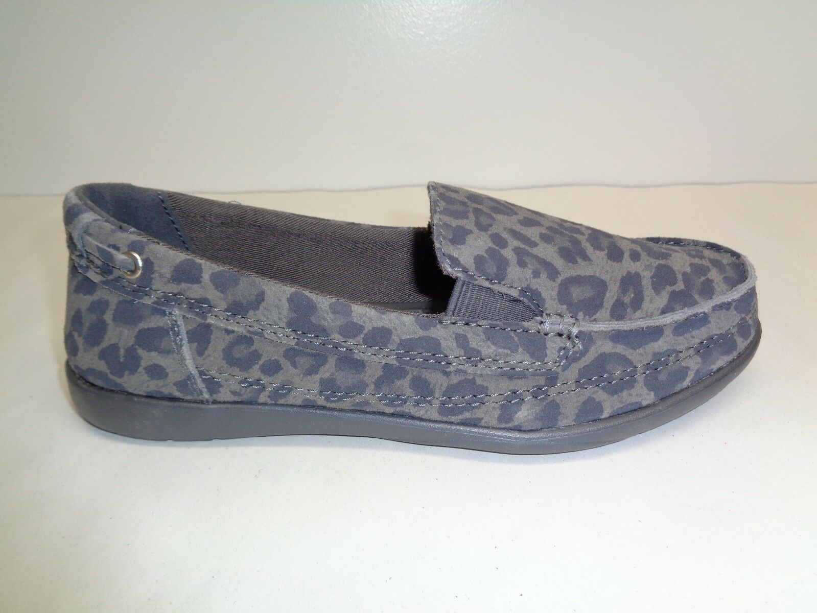 Crocs Size 5 WALU Light Grey Leopard Print Suede Loafers New Womens Boat shoes