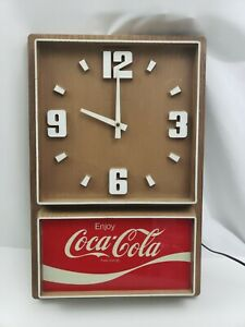 Coca-Cola-Clock-Plastic-Wood-Grain-Vintage-Impact-International-USA-Made-Coke