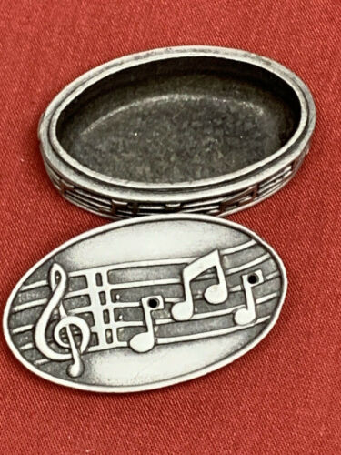Silver Toned Etched Musical Note Pendant Oval Trinket Jewelry Box