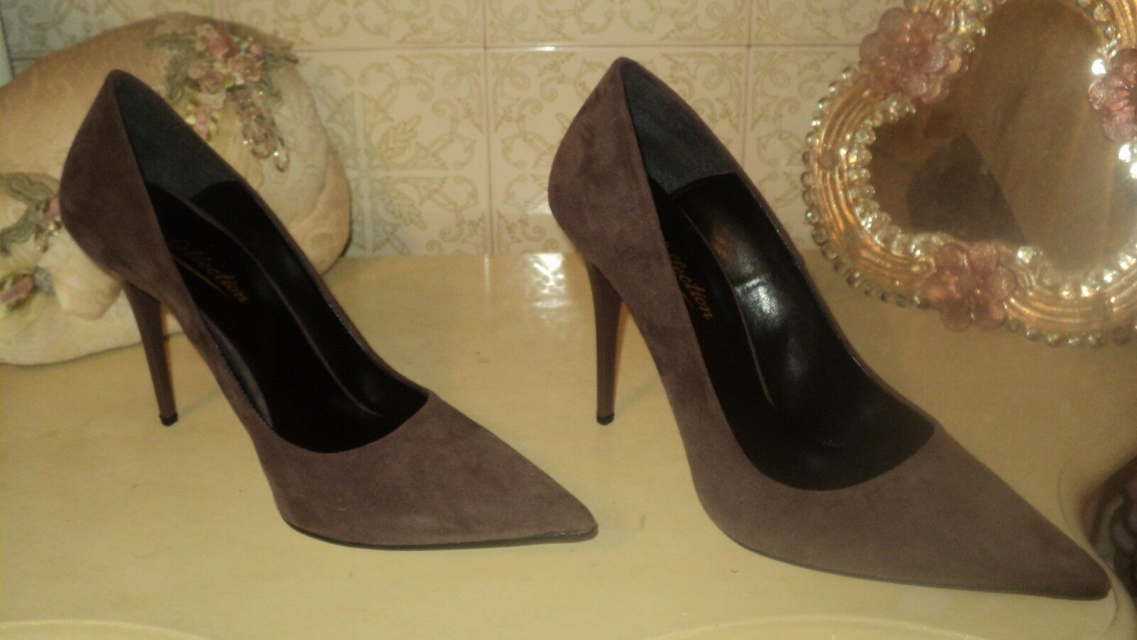 fino al 65% di sconto SUEDE Marrone PURPLISH PURPLISH PURPLISH POINTED PUMPS STILETTO HEELS EU39 US8 UK6  prezzo ragionevole