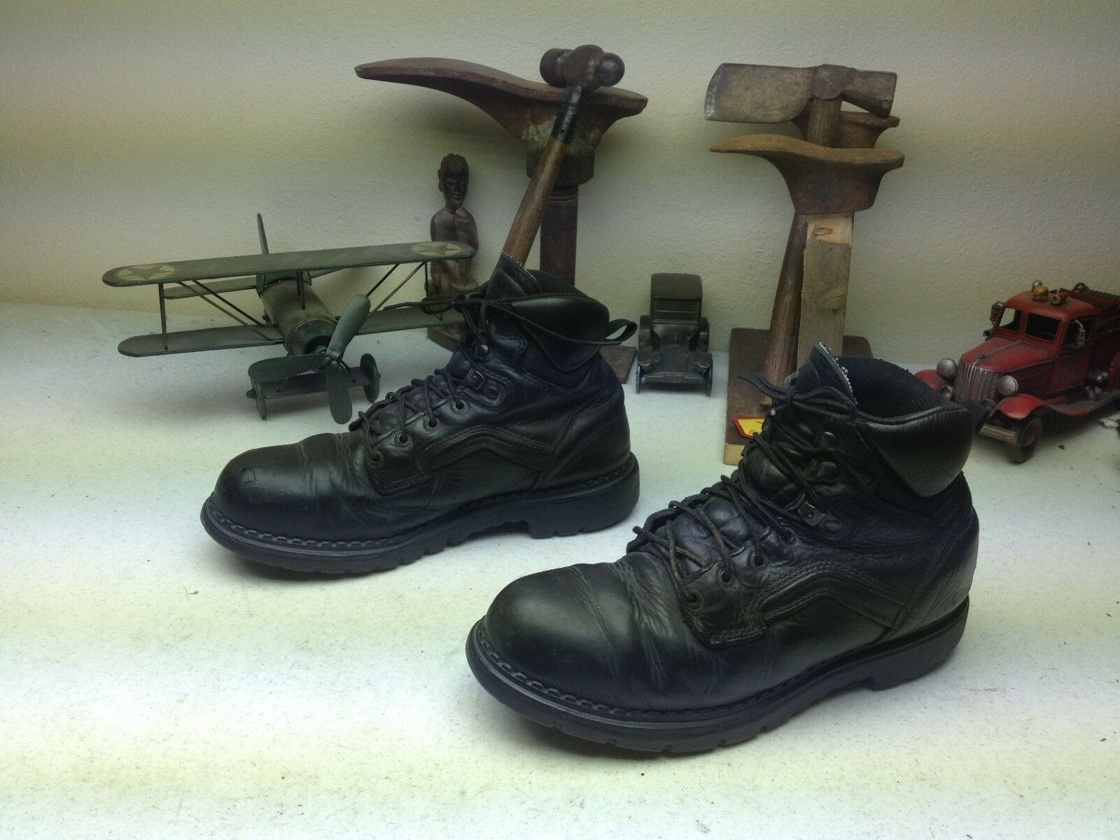 STEEL TOE DISTRESSED BLACK RED WING LACE UP LEATHER WORK CHORE BOOTS 9.5 D