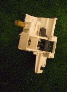 Lavavajillas-BEKO-DL1043W-Cerradura-de-puerta
