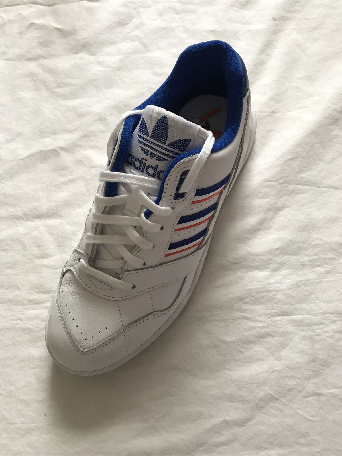 New Adidas Men's / Old Boys Leather Trainers Size UK 6 Euro 39.5
