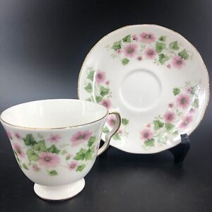 Queen-Anne-Fine-Bone-China-England-TEACUP-amp-SAUCER-8654-Pink-Flowers-Footed