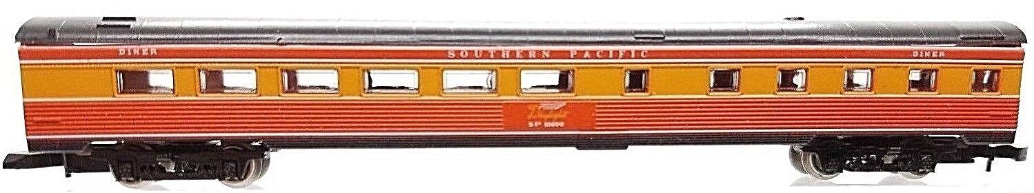 Z Scale Marklin 8785 Southern Pacific Daylight Passenger Car