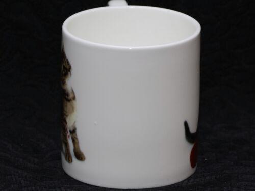 ROSE of ENGLAND KITTY WITH BALL OF RED YARN Fine Bone China Cylinder Medium Mug