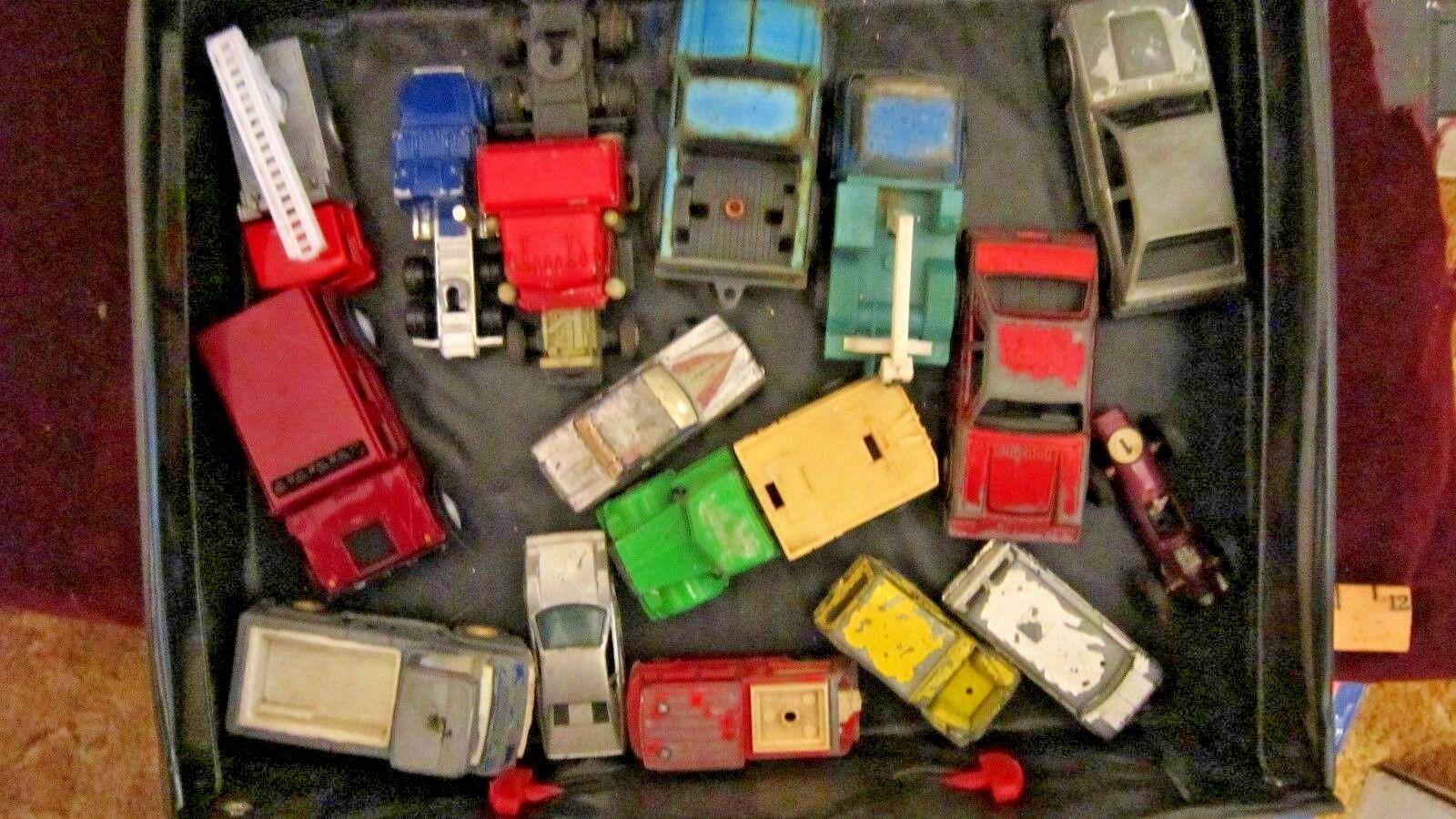 Descuento del 70% barato Vintage Fast Lane 48 coche caso caso caso 1990 con 13 coches y las instrucciones de Hot Wheels  Entrega gratuita y rápida disponible.