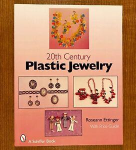 20TH-CENTURY-PLASTIC-JEWELRY-by-Roseann-Ettinger-LIKE-NEW