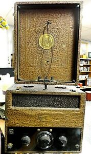 Vintage-Trav-ler-T-29827-Portable-Battery-Powered-Tube-Radio-Built-in-Antenna