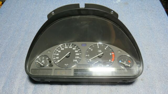 BMW E30 Tacho Instrumententräger Kombiinstrument Halter mit Anbauteilen 1377340