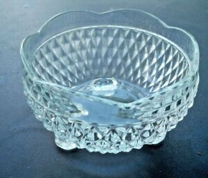Indiana-Glass-Diamond-Point-Crystal-3-Toed-Bowl-3-1-4-034-High-5-034-Diameter