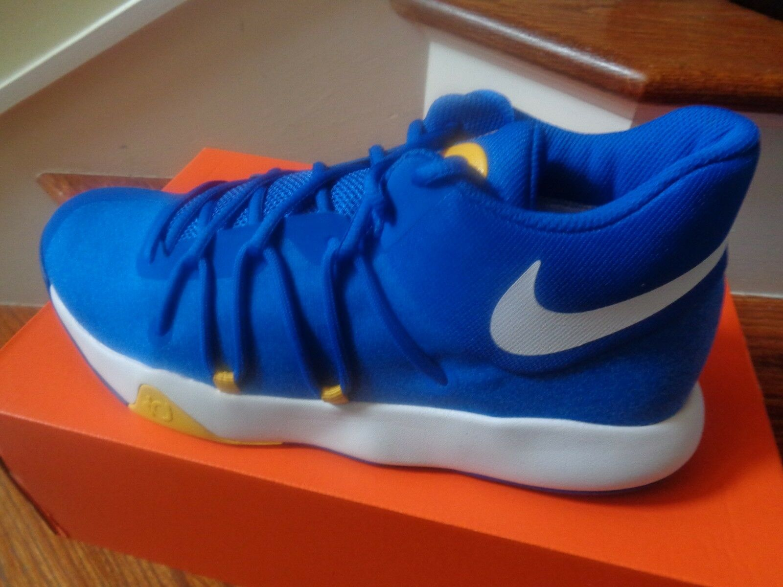 Nike KD Trey 5 V Men's Basketball shoes, 897638 400 Size 9.5 NWB