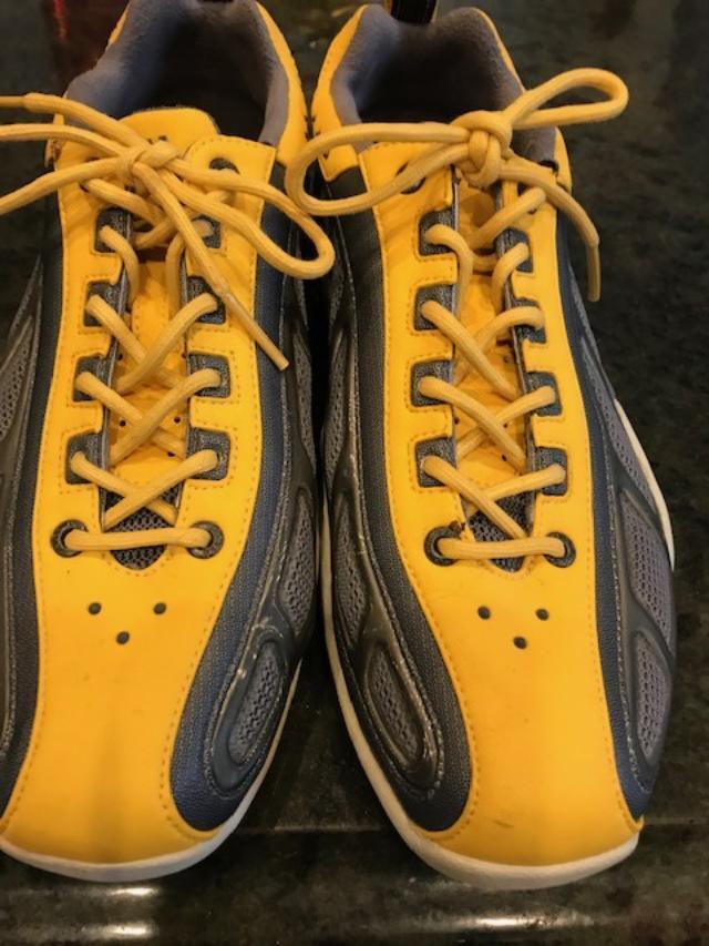 450 Cuero Helly Hansen Amarillo y gris gris gris Zapatillas Nuevo Sin Caja 39.5 8.5-9 B  nuevo sádico