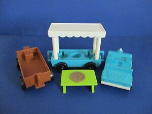 916-ZOO-Vintage-Fisher-Price-Little-People-VEHICLE-3-PIECE-TRAIN-CARS