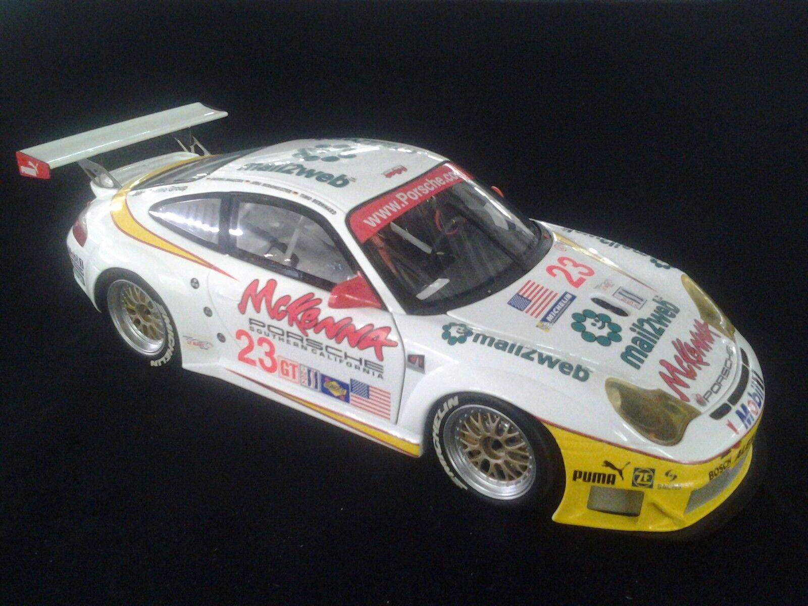 Minichamps Porsche 911 GT3-RSR 1 18  23 Bernhard   Bergmeister   Maassen (MCC)