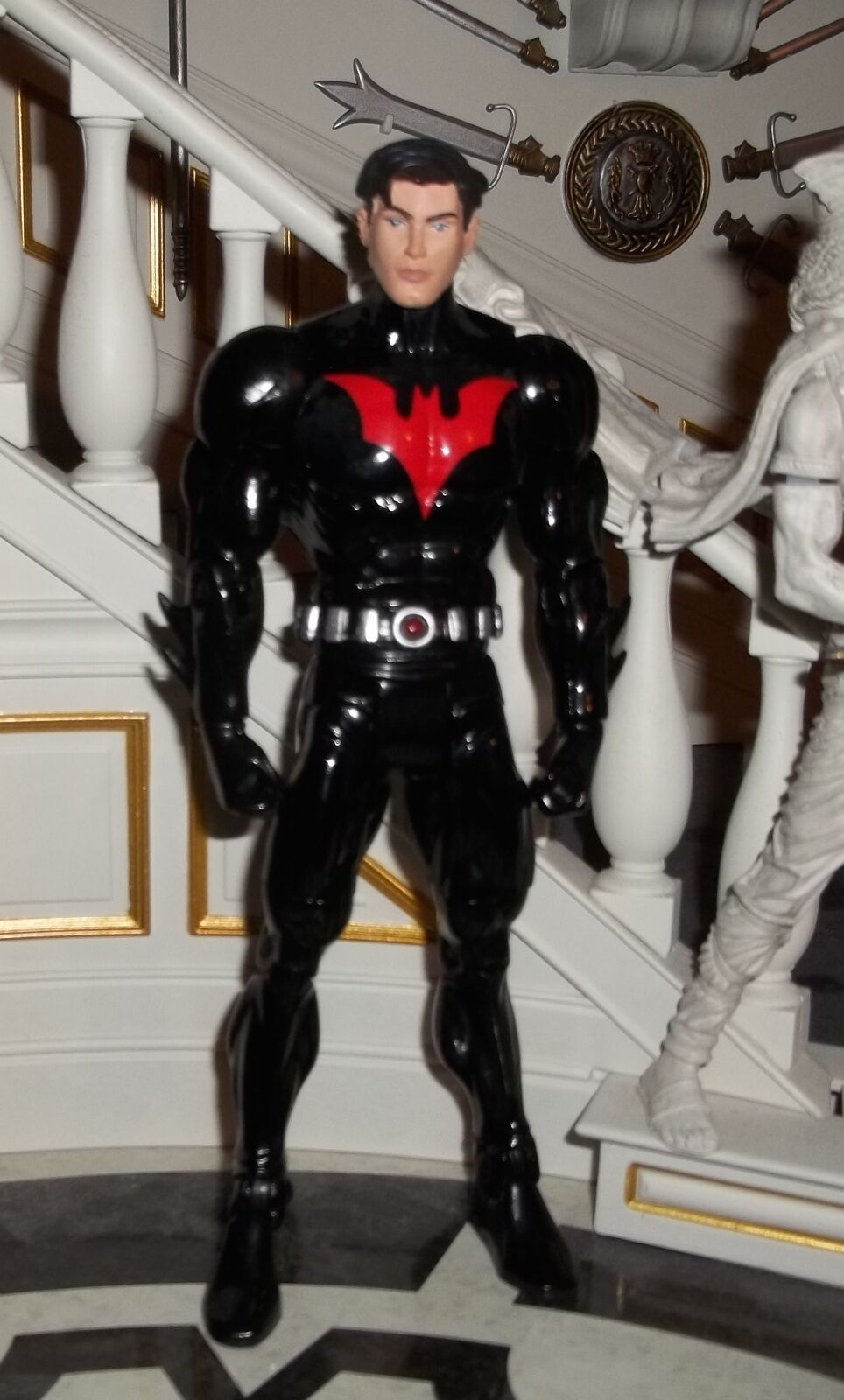 DC DIRECT UNIVERSE CLASSICS WAVE 4 BATMAN BEYOND UNMASKED VARIANT  FIGURE