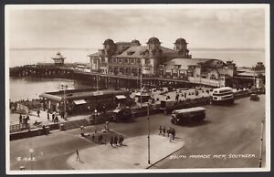 Southsea-Portsmouth-South-Sfilata-Pier-Smiths-Crisps-Van-Parked-Vintage-RPPC