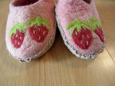 EN GRY & SIF schöne Filz Pantoffeln Erdbeeren rosa Gr. 22 NEU BI216