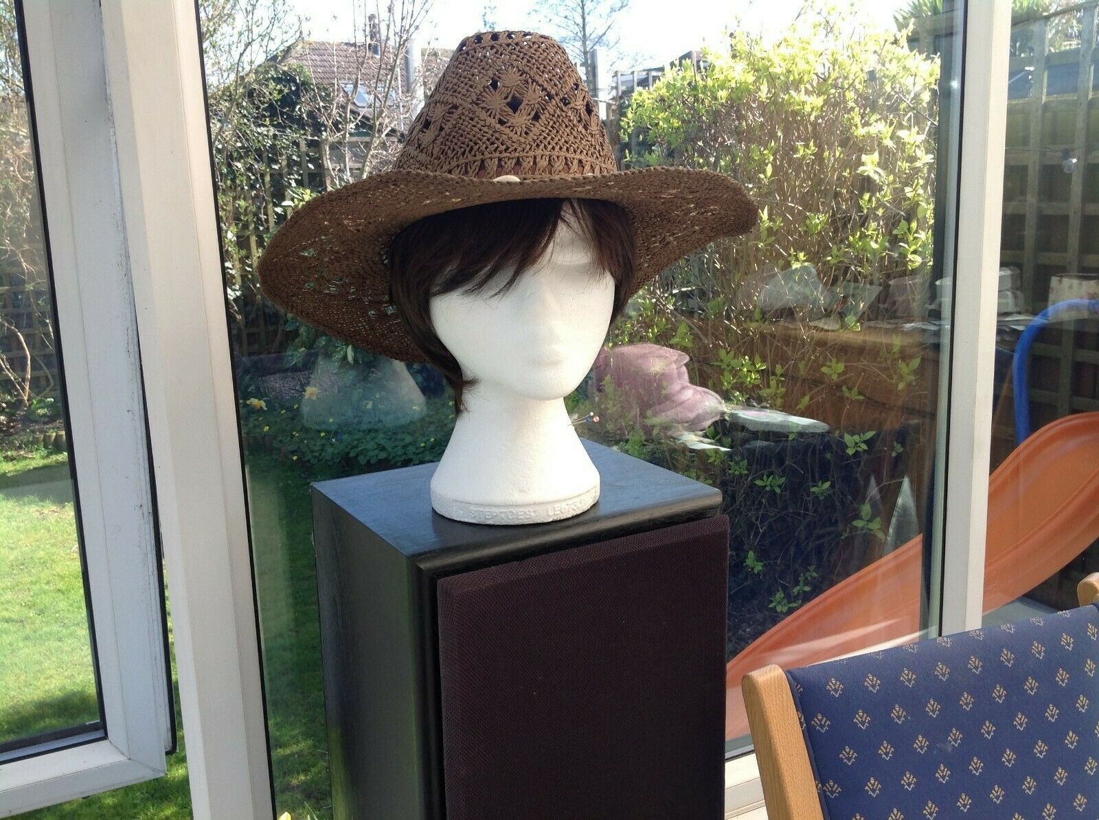 Ladies stylish special occasion BROWN hat. Ascot /ideal Mother of Bride / Groom