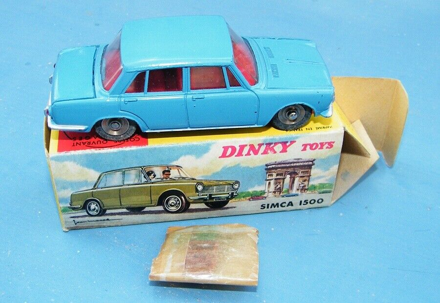 French Dinky Toys 523 Simca 1500 complete with 3 suitcases  Original VNMB