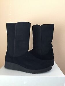 beab863e132e5 UGG AMIE CLASSIC SLIM BLACK SUEDE WEDGE BOOT US 9.5   EU 40.5   UK 8 ...