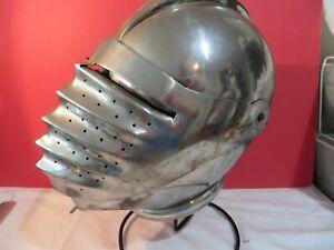 Medieval Knight Closed Armor Helmet - Knights Nobility 5 lbs of tin/metal