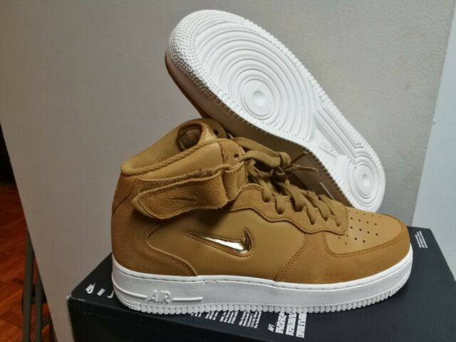 hot sale online fc309 2b920 Mens Nike Air Force 1 Mid '07 Lv8 JEWEL Size 10 Gold Basketball Shoes