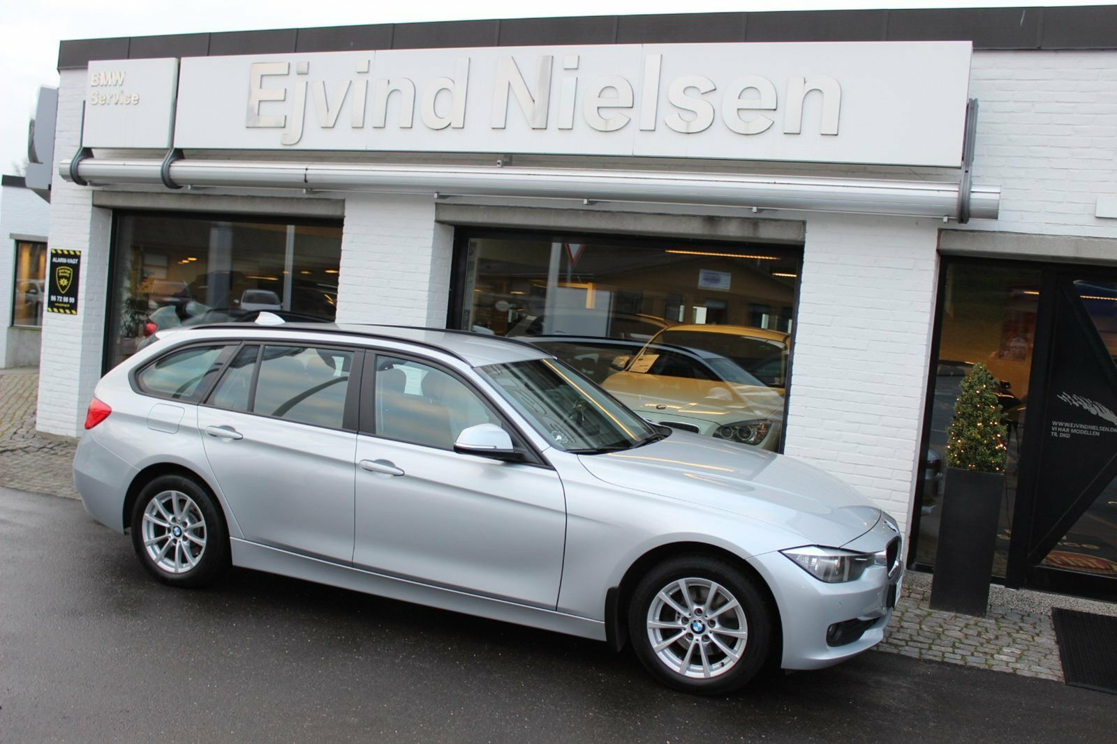 BMW 320d 2,0 Touring 5d - 179.900 kr.