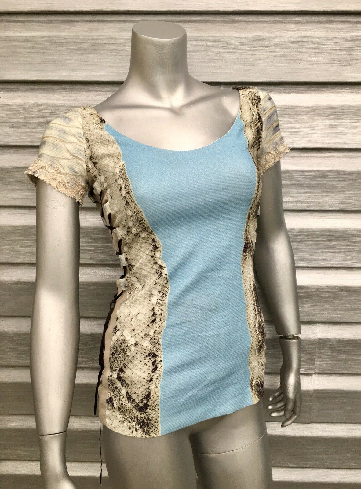 SAVE THE QUEEN Blau Snakeskin Print Short Sleeve Lace Up Stretch Top