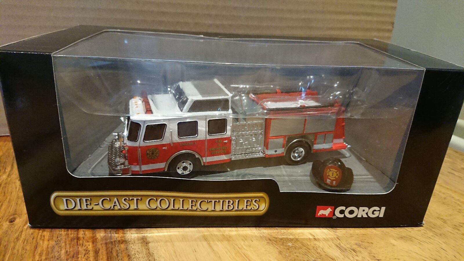 Corgi 54702 E-One Side Mount Fire Truck Fort Monroe Fire DepartSiet