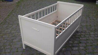Antikes Kinderbett Vollholz