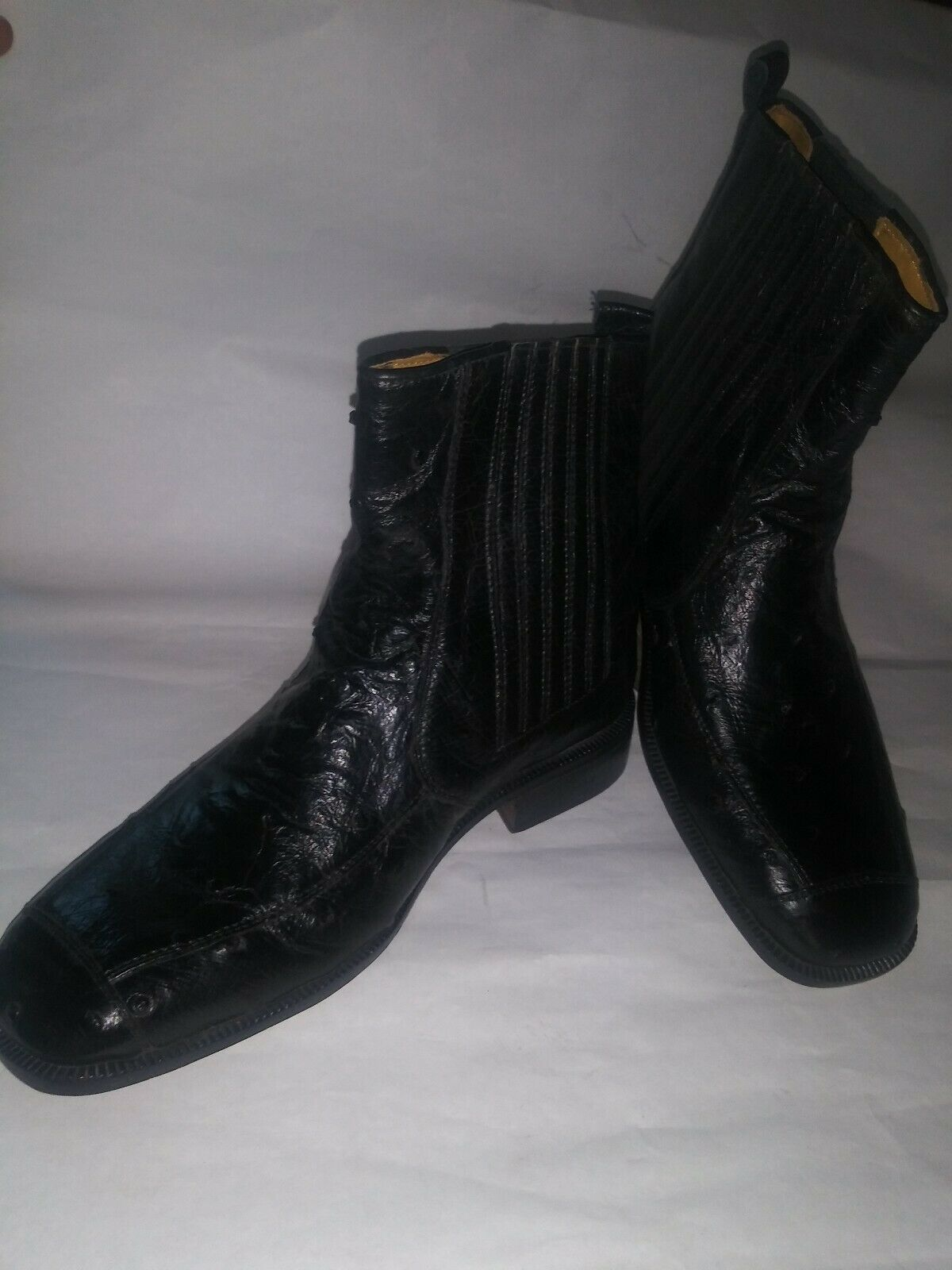 MC Genuine Ostrich boots Made In  Size 7m color black