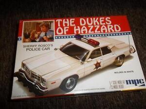 discontinued-2009-AMT-707-dukes-Sheriff-Rosco-039-s-Dodge-Monaco-Police-Car-kit-new