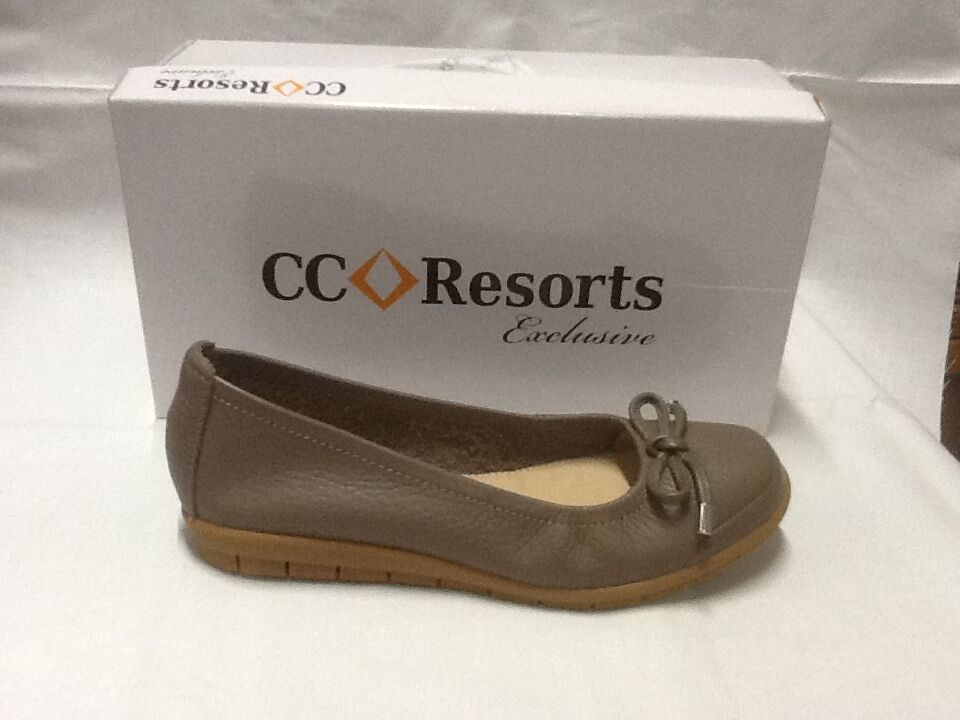 Ladies slip on shoes CC Resorts Virginia taupe size 10