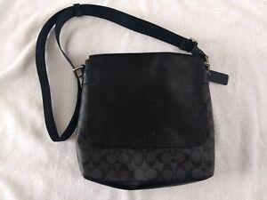 Handtasche C Coach aus Leder Black anthrazitfarbene Signature xnnqS1a