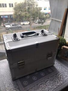 Canon-AE-1-program-SLR-35mm-film-camera-plus-3-lens-full-accessories