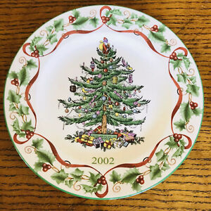 Spode-7-3-4-034-The-Christmas-Tree-Year-Plate-from-2002