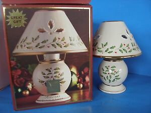 LENOX TEA LIGHT CANDLE LAMP CHRISTMAS HOLIDAY GIFT NEW IN ORIGINAL PACKAGE
